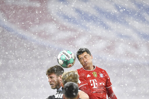 Bayern held 3-3 by struggling Bielefeld on Bundesliga return