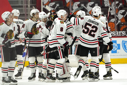 Kubalik scores 2, lifts Blackhawks to 3-2 win over Red Wings