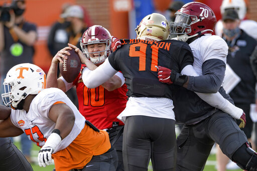 Alabama's Mac Jones sustains ankle injury at Senior Bowl