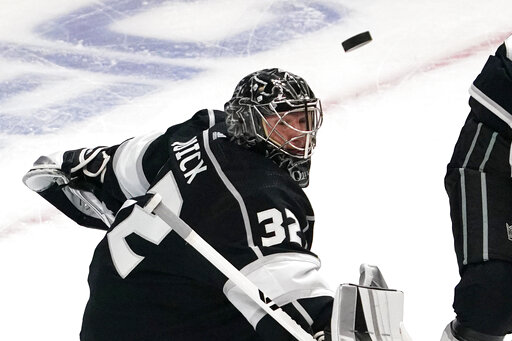 Jonathan Quick makes 28 saves, Kings blank Wild 4-0