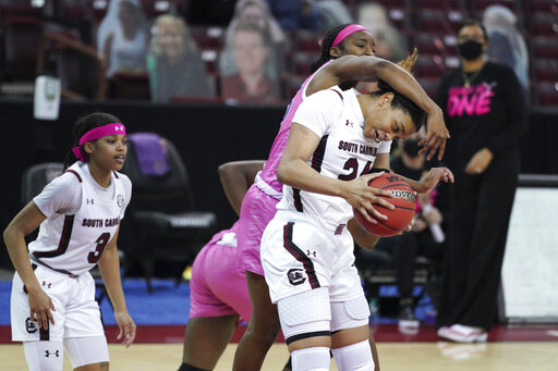 South Carolina wins 31st straight SEC game, topping LSU