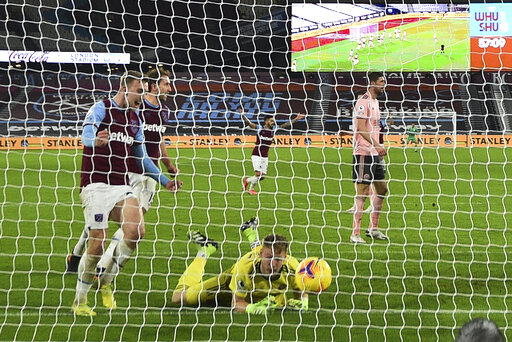 West Ham beats Sheffield United 3-0 to maintain top-4 push