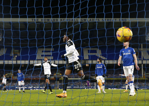Maja scores first EPL goals, Fulham wins 2-0 at Everton