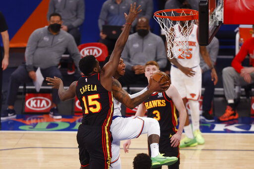 Randle scores 44 points, Knicks beat slumping Hawks 123-112
