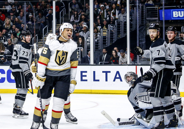Vegas Out for Third Straight Win as Los Angeles Limps Into Town